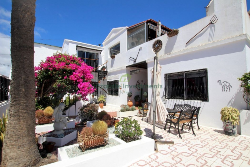 Detached 5 bedroom 3 bathroom spacious Villa in Tias