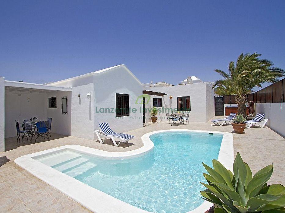 Villa with private pool and Tourist Licence in Los Mojones, Puerto del Carmen