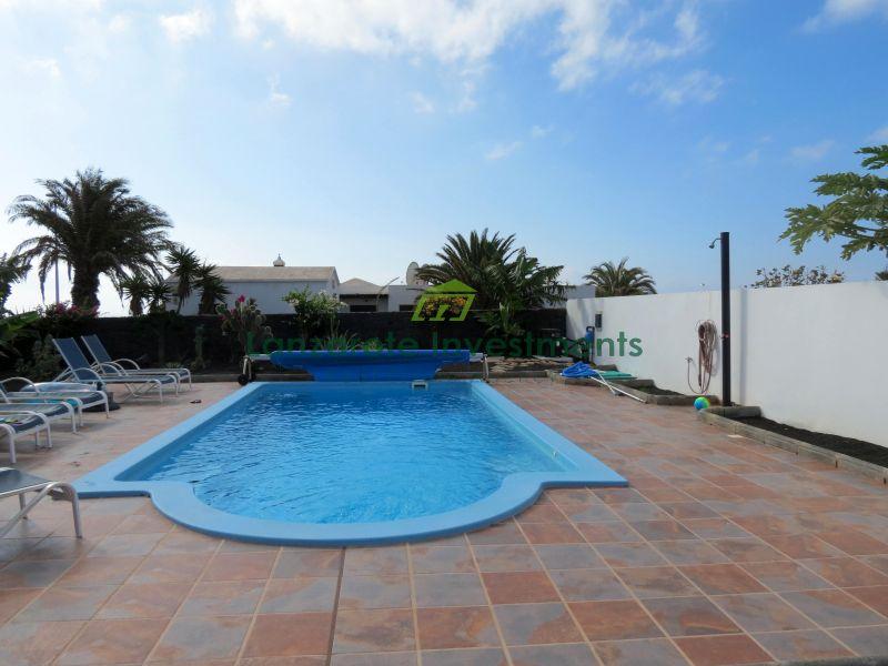 New Build 6 Bedroom Villa with Sea Views in Playa Blanca