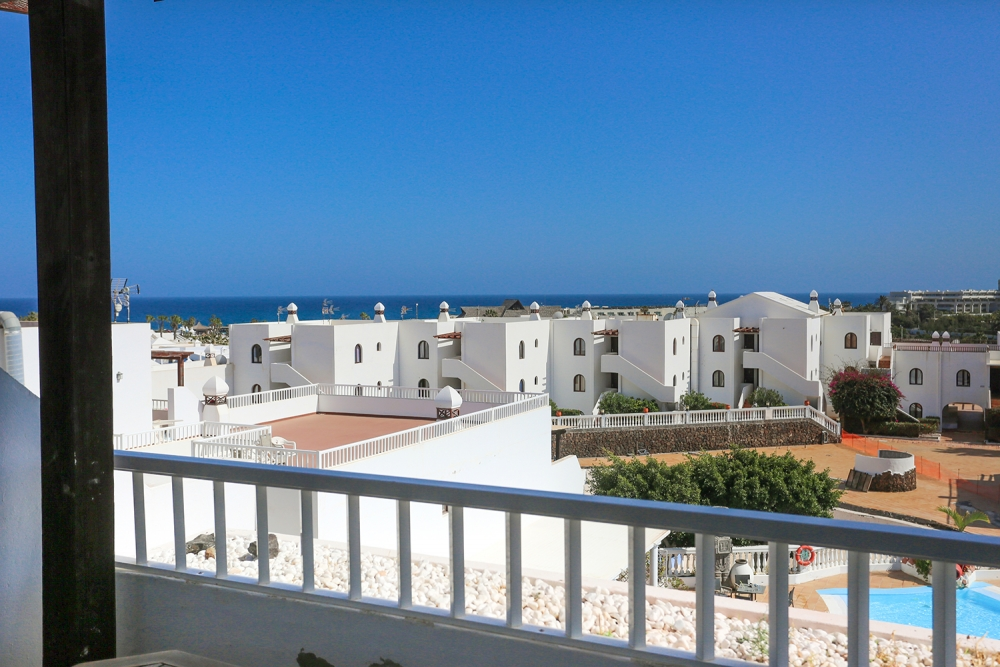 2 Bedroom apartment with sea views for sale in Costa Teguise