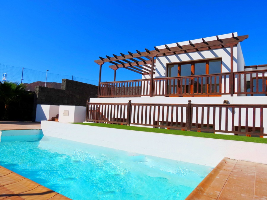 Exciting development of 3 bedroom villas with private pools available in Playa Blanca