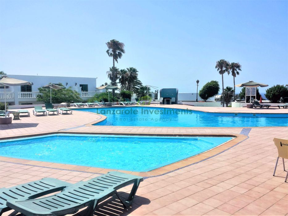 One bedroom apartment located in a popular complex in Puerto Del Carmen