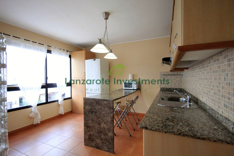 Very well maintained 2 bedroom apartment and only 250m from the beach
