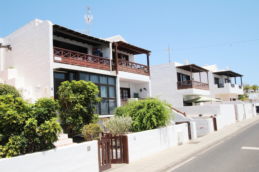 Large 2 bedroom apartment in central location of Puerto del Carmen