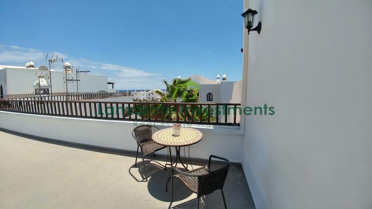 2 Bedroom duplex in Costa Teguise close to all amenities and the beach