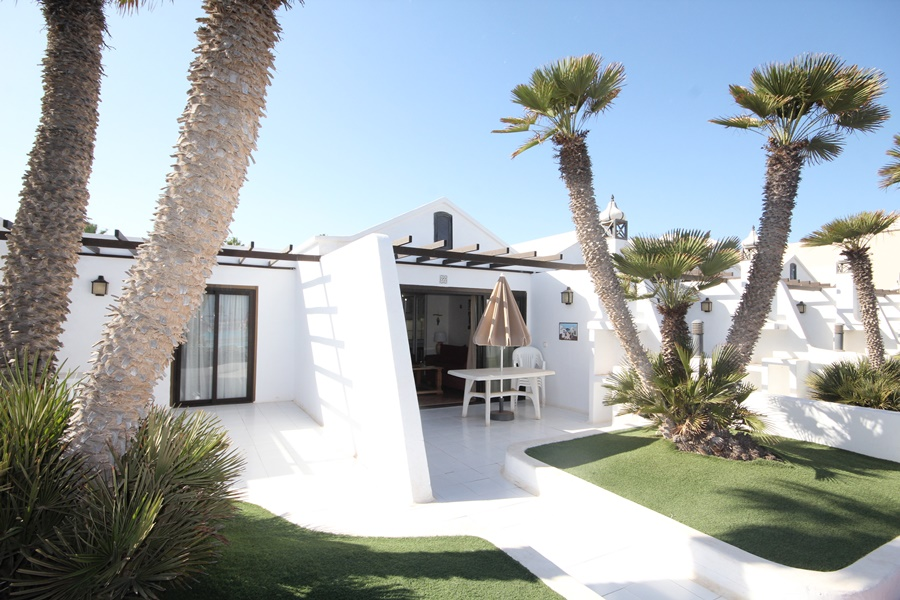 2 Bedroom 1 bathroom ground floor bungalow for sale in Costa Teguise