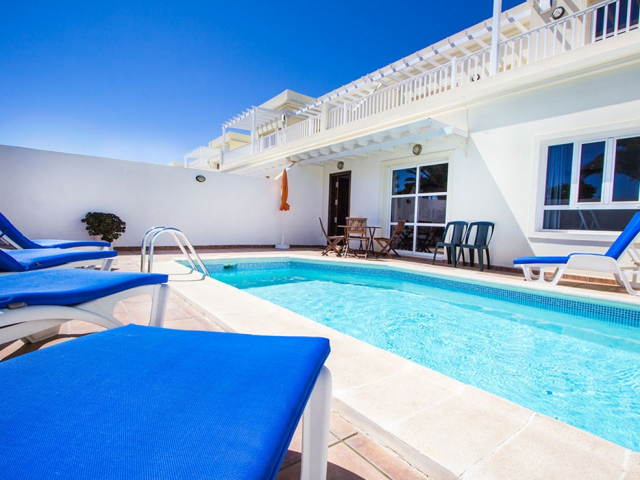 4 Bedroom holiday home with private swimming pool in Costa Teguise