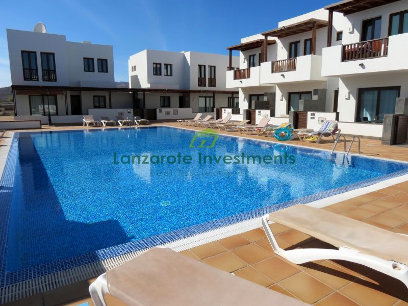 Excellent Duplex on a Complex with Communal Pool in Puerto Calero
