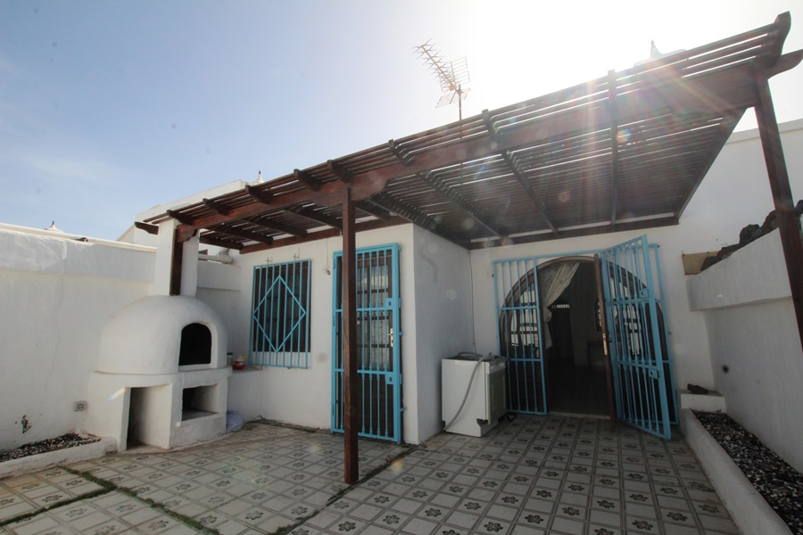 Investment opportunity only 20 metres from the beach in Puerto Del Carmen