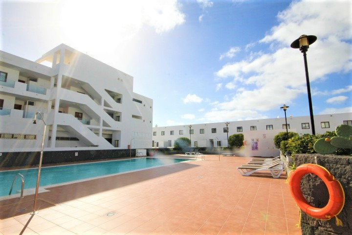 Spacious 3 bedroom duplex for sale in Costa Teguise