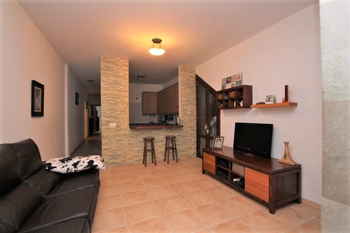 2 Bedroom Ground Floor Apartment For Sale in Arrecife