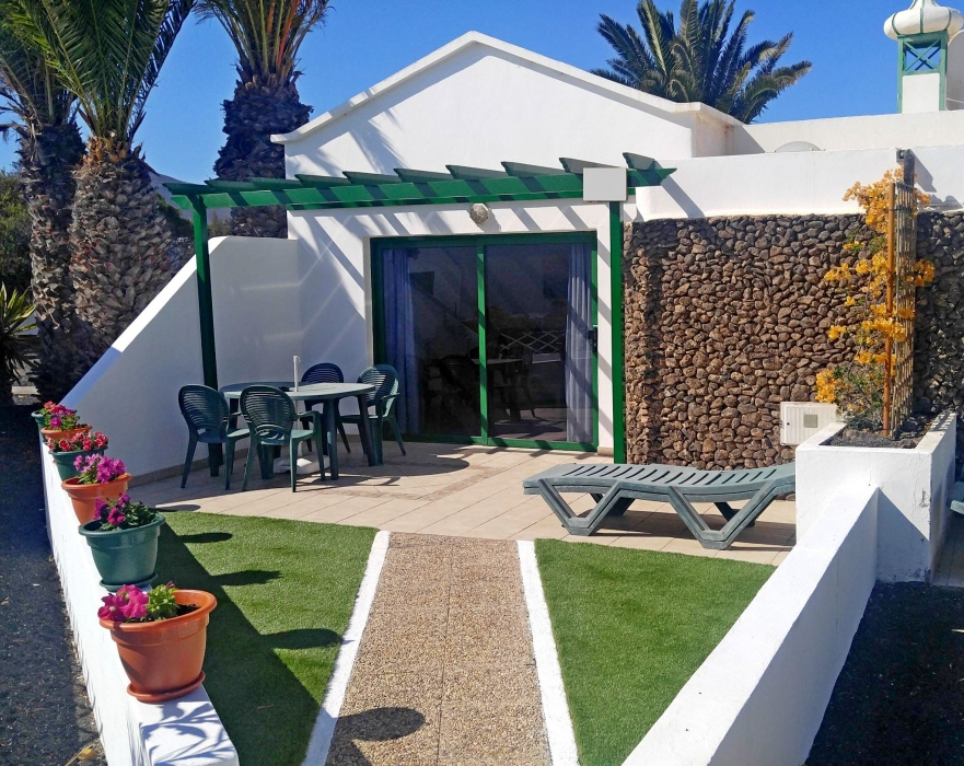 Ideally located 1 bedroom bungalow for sale in Playa Blanca