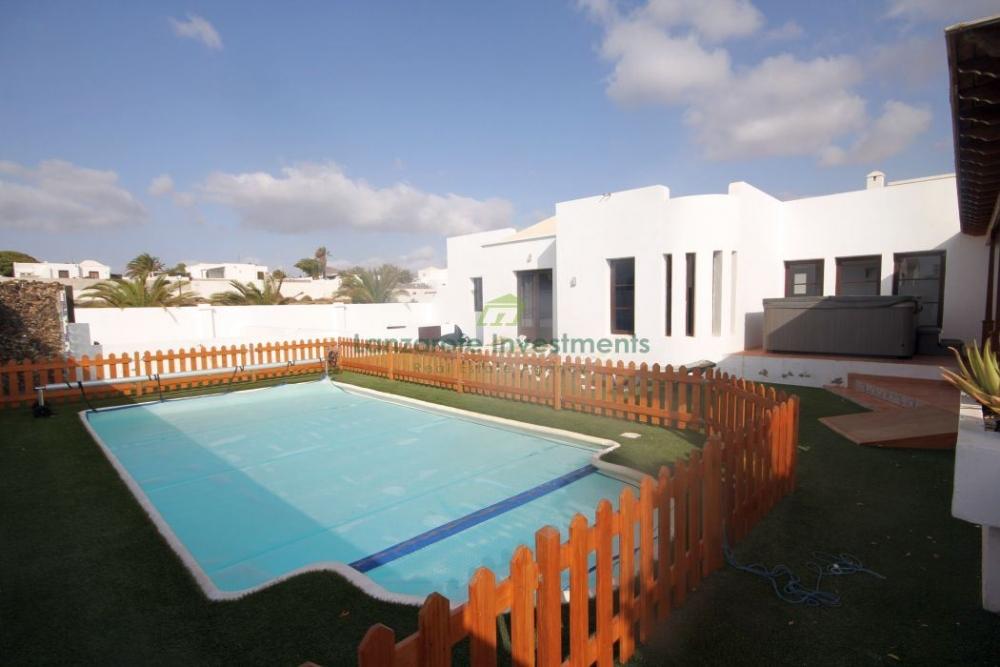 Exclusive 3 Bedroom Villa in Ciudad Jardin, Costa Teguise