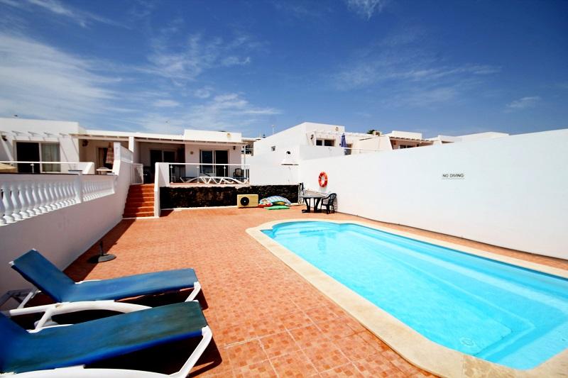2 bedroom villa with Pool in Puerto del Carmen for sale