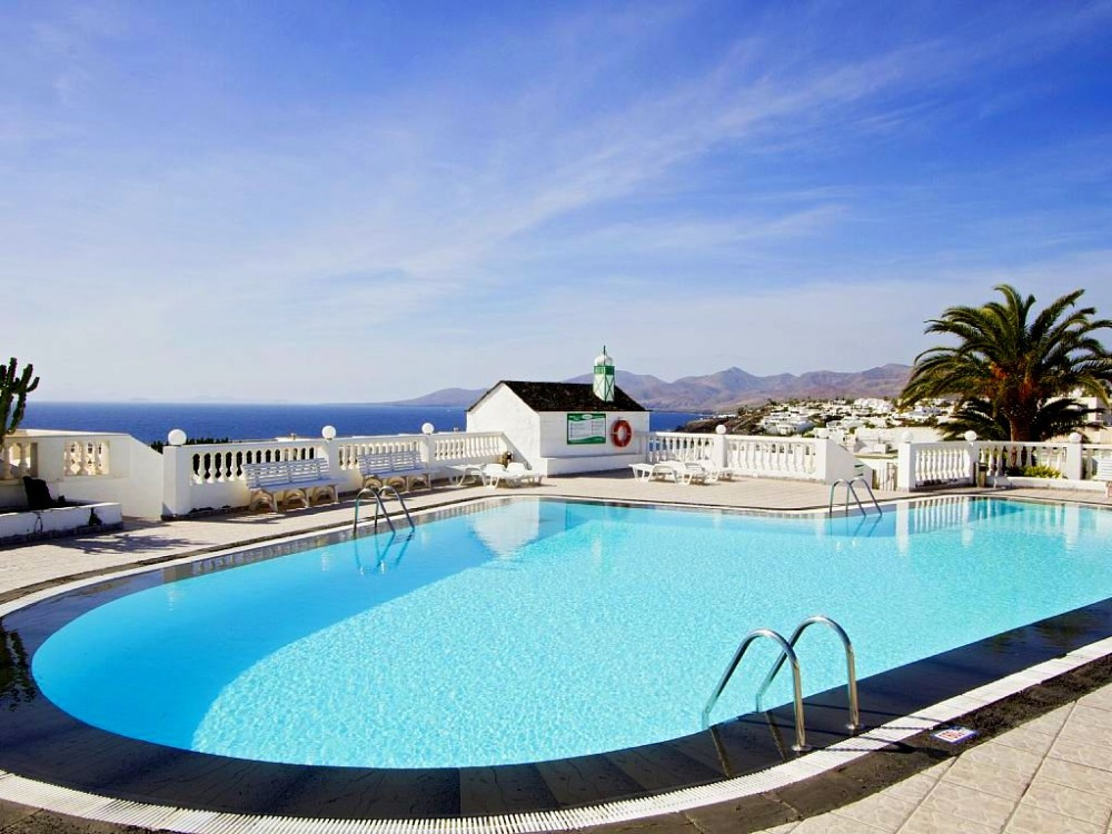 1 bedroom apartment for sale in Puerto del Carmen with communal pool