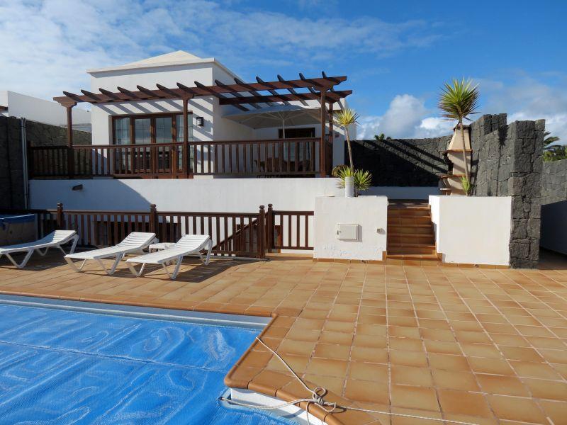 3 bedroom villas with pool & amazing views