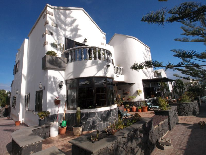 3 bedroom detached house in Costa Teguise