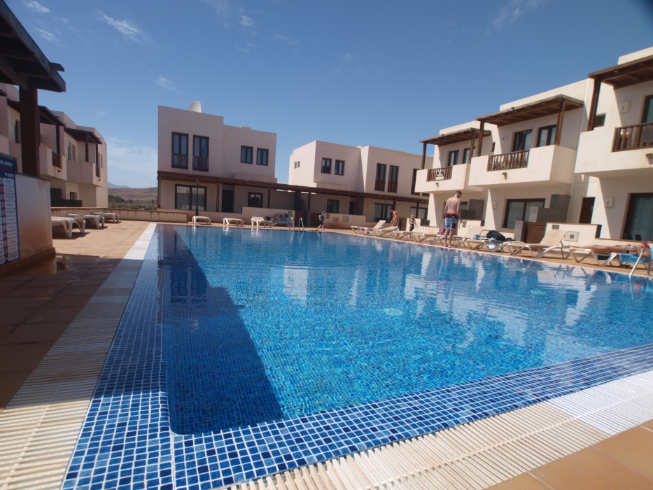 2 bedroom luxury town houses for sale in Puerto Calero