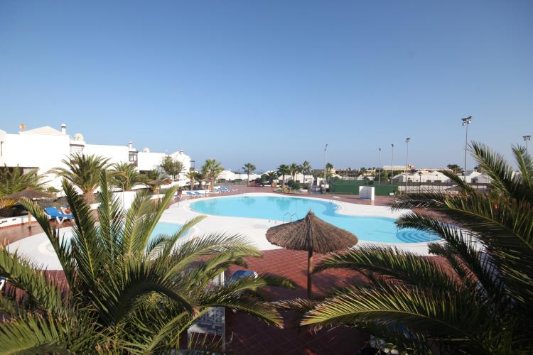 2 bedroom apartment in a popular complex in Costa Teguise