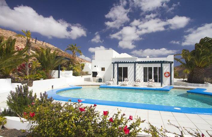 Luxurious 6 bedroom 6 bathroom detached villa for sale in Femés