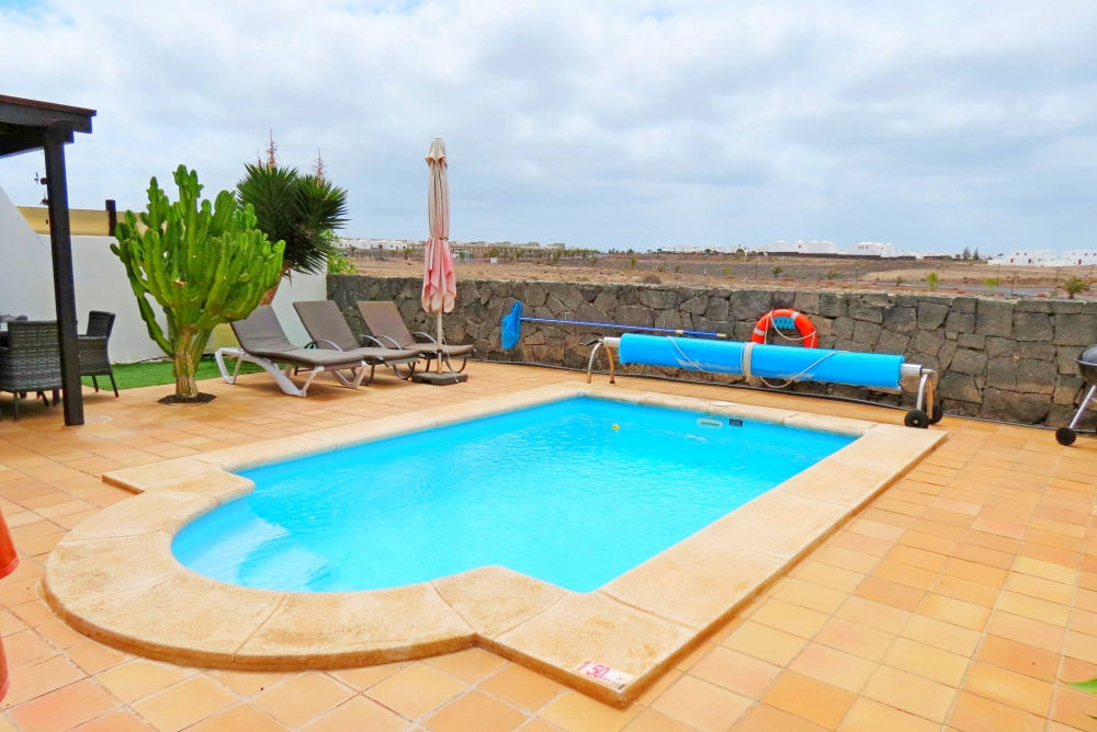 Las Velas house with sea views and vacation licence in Playa Blanca
