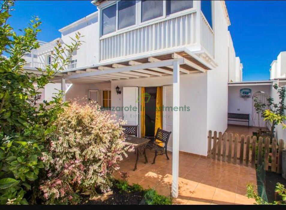 Four Bedroom Semi Detached House in San Bartolome