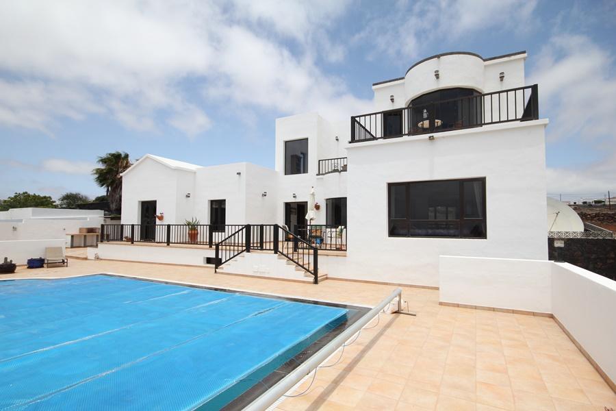 Wonderful 5 bedroom 3 bathroom house with private pool in El Mojon