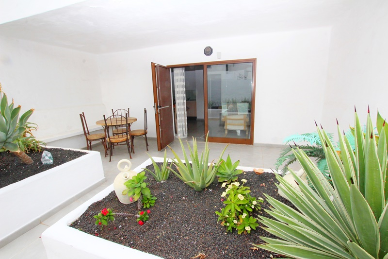 Ground floor apartment located 500 yards from the beach in Puerto del Carmen