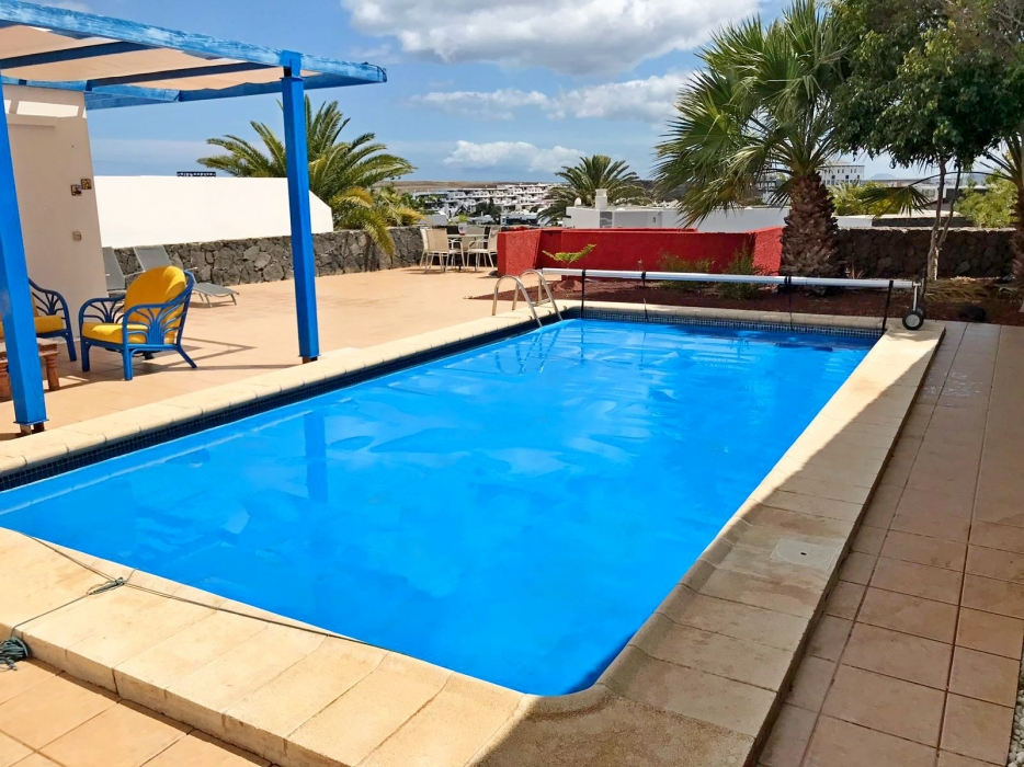 Lovely 2 bedroom 2 bathroom villa with private pool in Playa Blanca