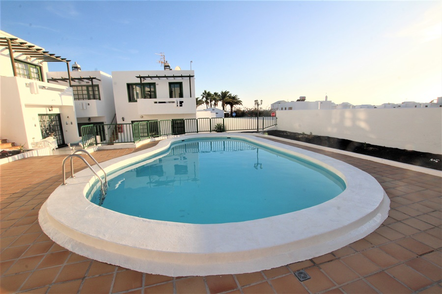 Top floor apartment located in a small gated complex in Puerto del Carmen