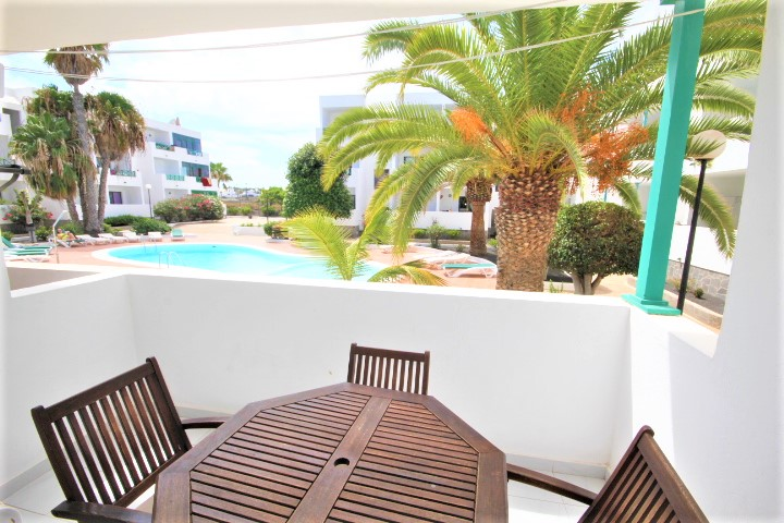 Lovely ground floor apartment centrally located in Costa Teguise