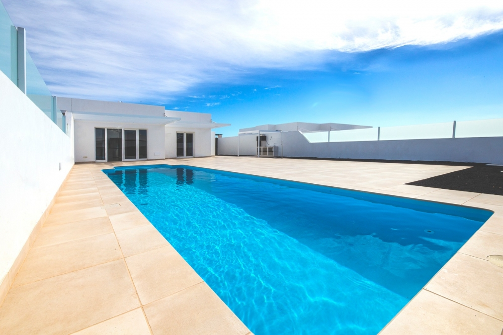 New build - 3 Bedroom villas with private pool in Playa Blanca