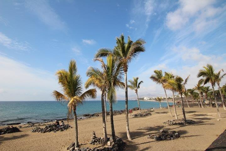 2 Bedroom apartment only 100 metres from the Beach in Puerto del Carmen
