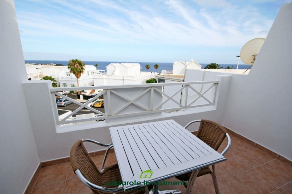One bedroom apartment in the old town of Puerto del Carmen, with spectacular views, for sale