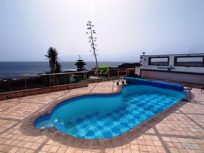 Waterfront Luxury 3 Bedroom Villa - Playa Blanca