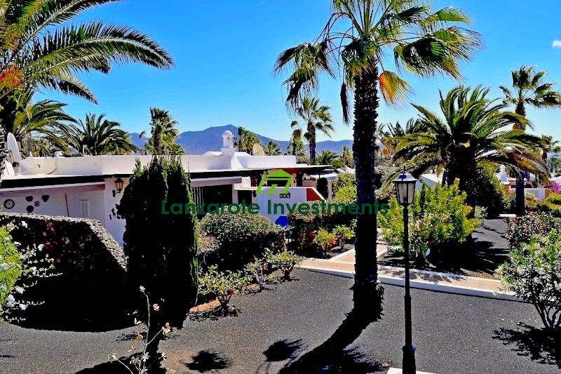 3 Bedroom semi-detached villa with sea views in Playa Blanca