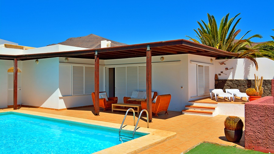 Impressive 2 Bedroom 2 Bathroom villa with private pool in Playa Blanca