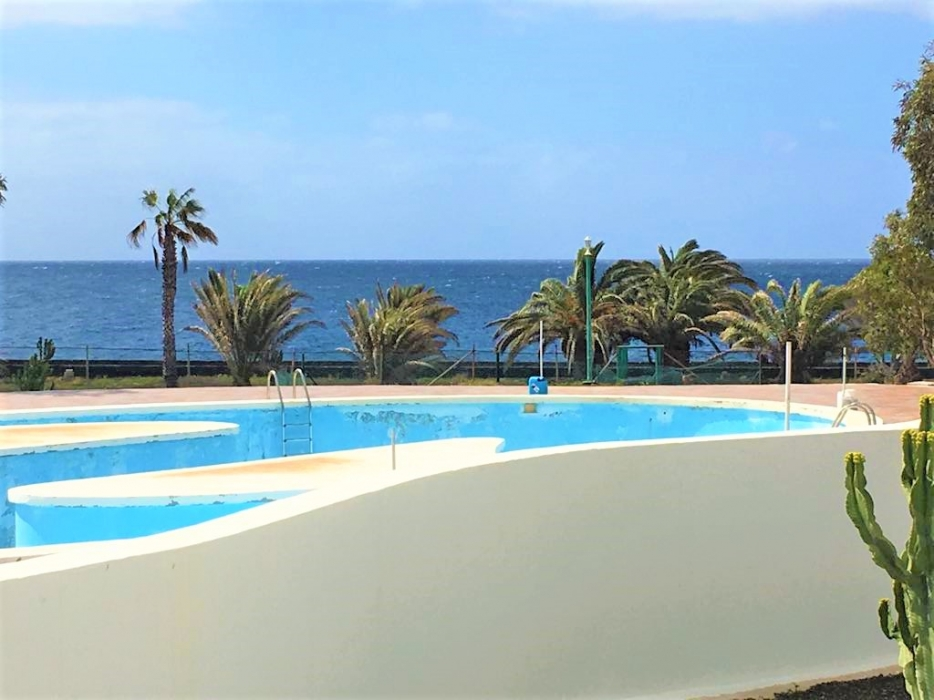 Frontline apartment in a perfect location for sale in Costa Teguise