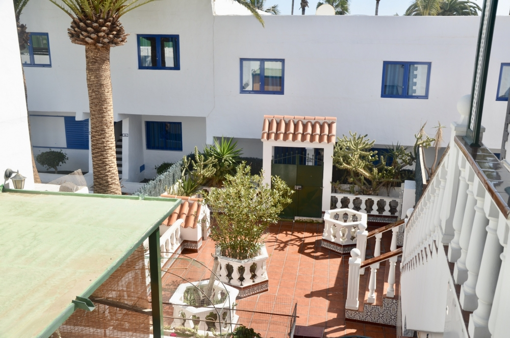 2 Properties + commercial unit for sale in Puerto del Carmen