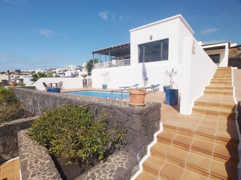 Three bedroom detached villa with stunning sea views in Tias