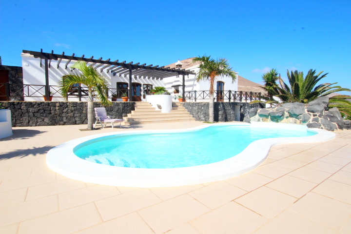 Exclusive! 3 Bedroom detached country villa for sale in La Asomada