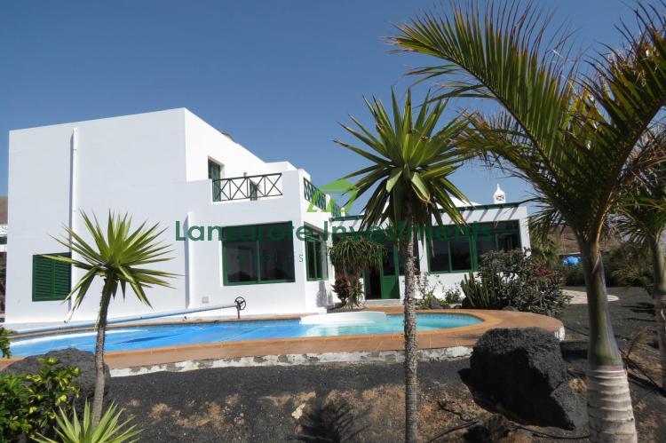 Amazing 4 Bedroom Villa With Private Pool For Sale in Las Breñas