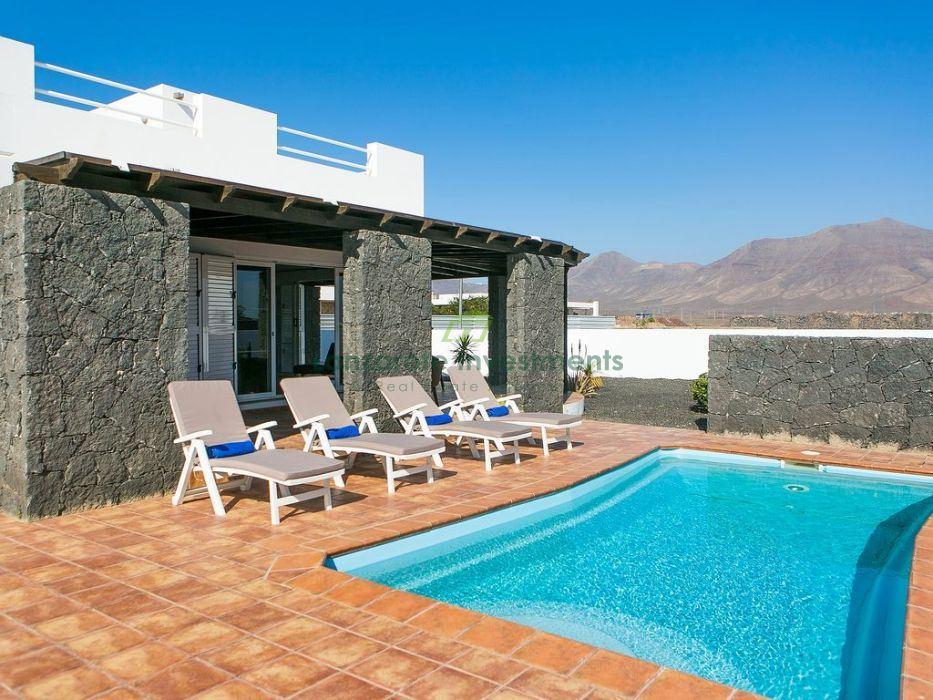 Beautiful 4 bedroom Villa in Playa Blanca