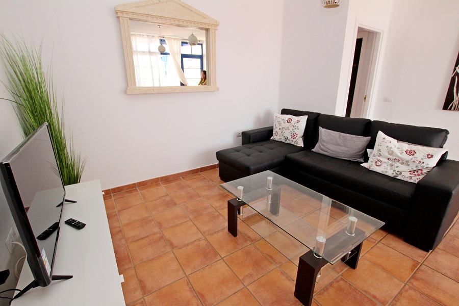 2 Bedroom semi-detached villa for sale on a secure gated complex in Puerto Calero