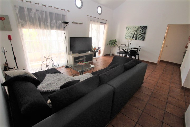 4 Bedroom 2 bathroom apartment with great terrace for sale in Tias