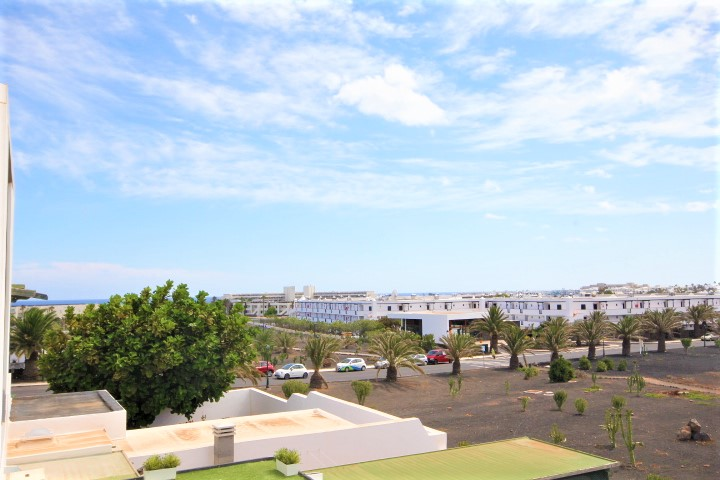 Opportunity! 2 bedroom duplex with garden for sale in Costa Teguise